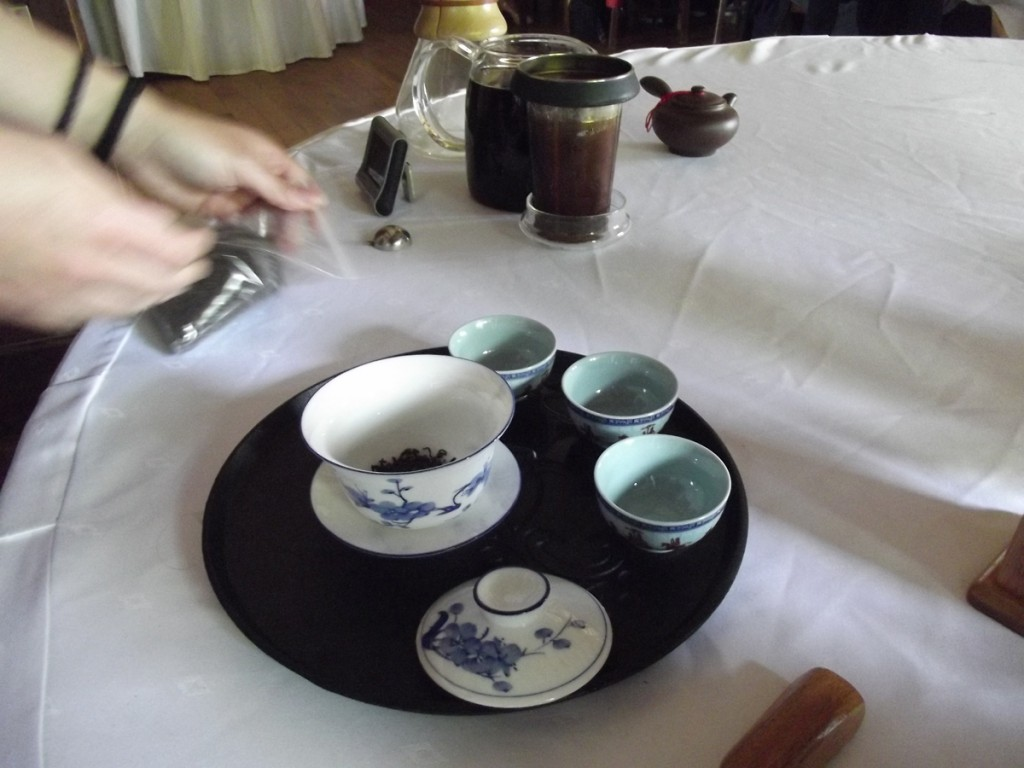 V Empacho Misterioso - Ceremonia del Té